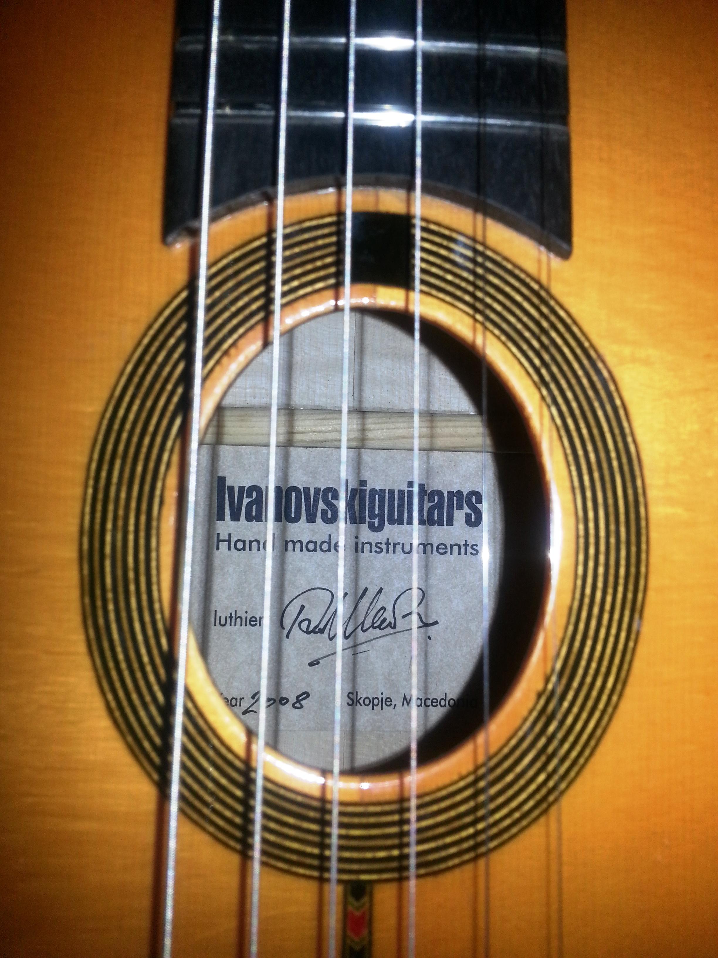 ivanovski-guitar-5