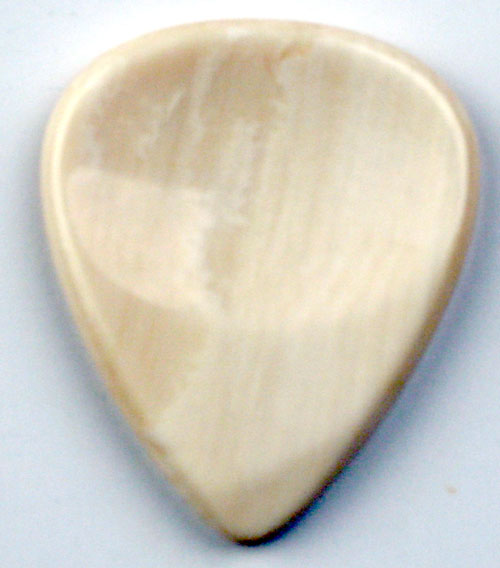 Dugain Deluxe Contoured Pick - Mammoth Ivory