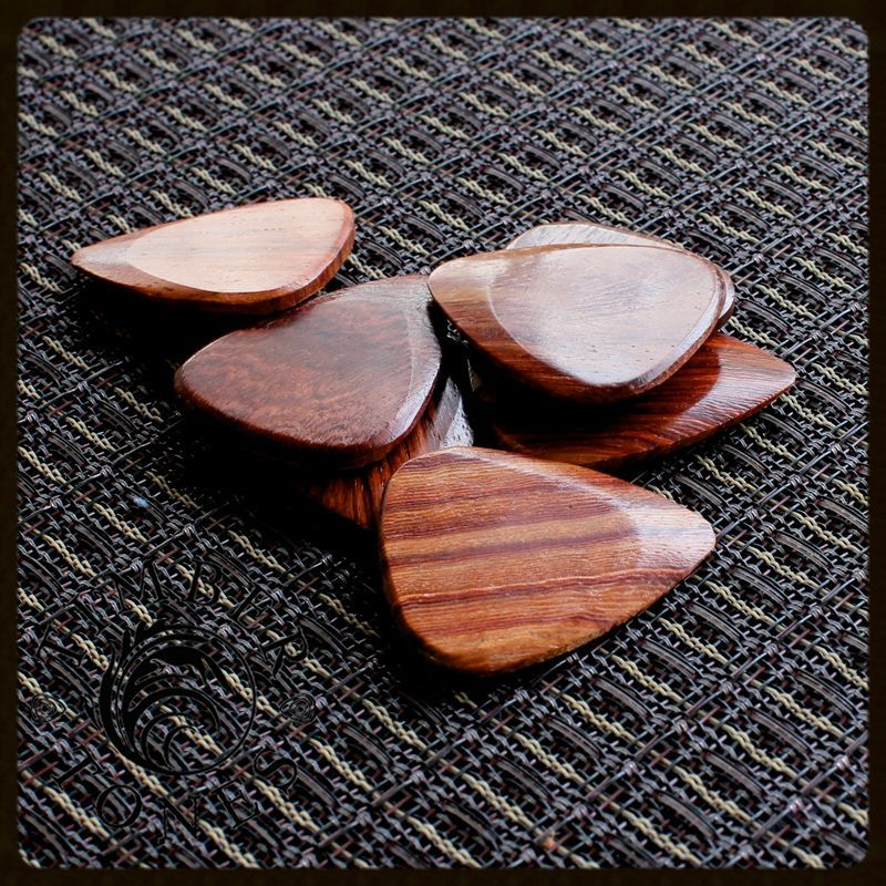 Timber Tones Blood Wood Pack of 4