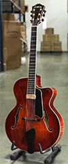 Eastman AR905CE Uptown Archtop